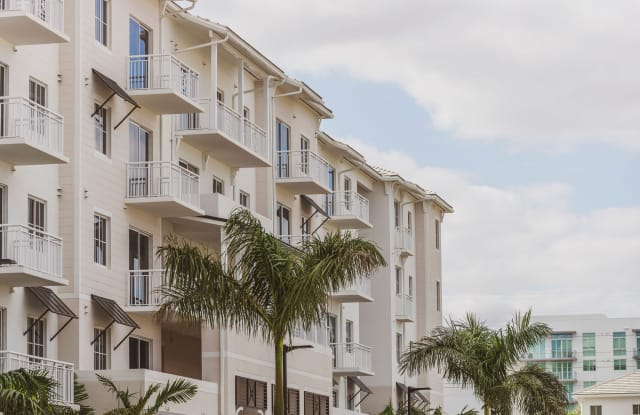 Vesada Luxury Apartment Homes - 10540 NW 78th St, Doral, FL 33178