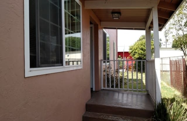 251 South 8th Street - 251 South 8th Street, Richmond, CA 94804