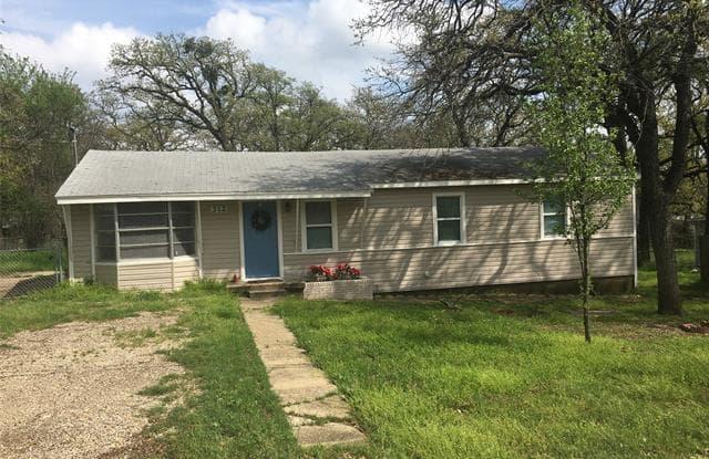 312 Center Lane - 312 Center Lane, Rendon, TX 76140