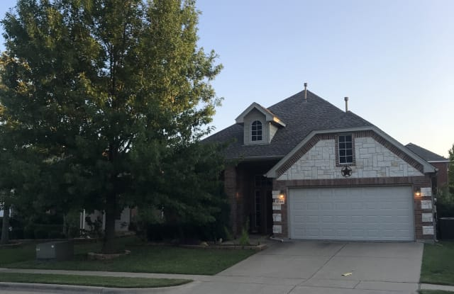 2736 Red Wolf Dr - 2736 Red Wolf Drive, Fort Worth, TX 76244