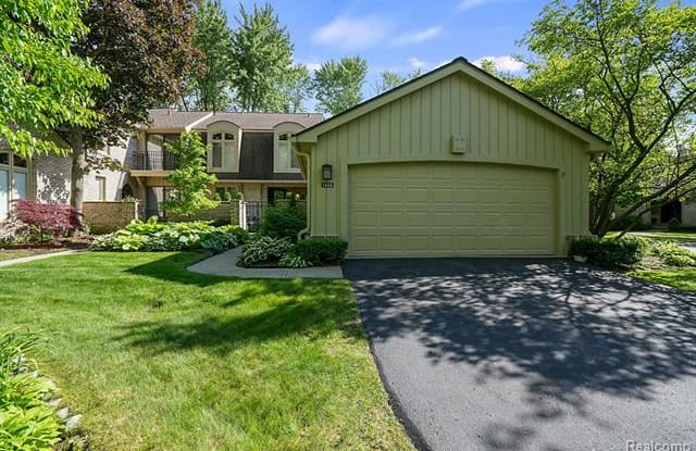 1466 TIMBERVIEW Trail - 1466 Timberview Trail, Oakland County, MI 48304