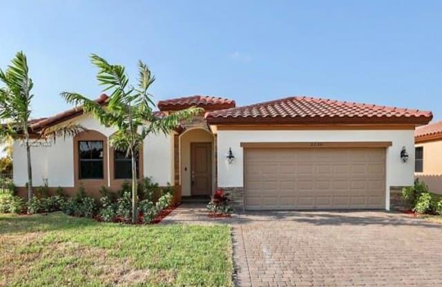 2736 SE 1st Ct - 2736 SE 1st Ct, Homestead, FL 33033