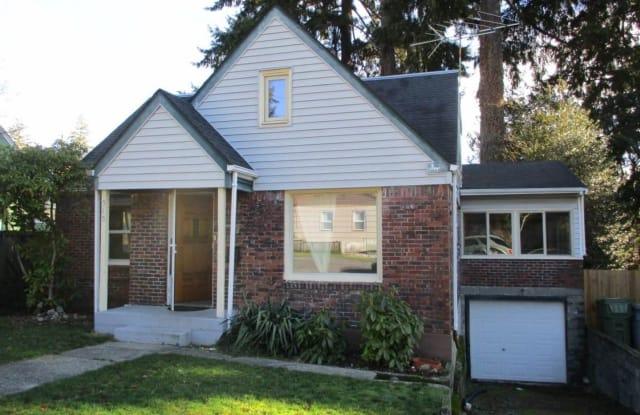 515 Harvard Avenue - 515 Harvard Avenue, Fircrest, WA 98466