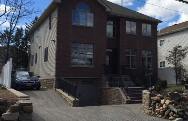 296 Bayview Avenue - 296 Bayview Avenue, Staten Island, NY 10309