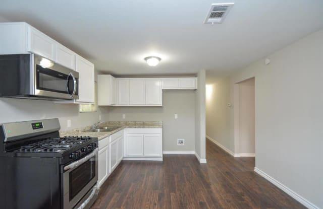 428 West Street - 428 West Street, Rosenberg, TX 77471