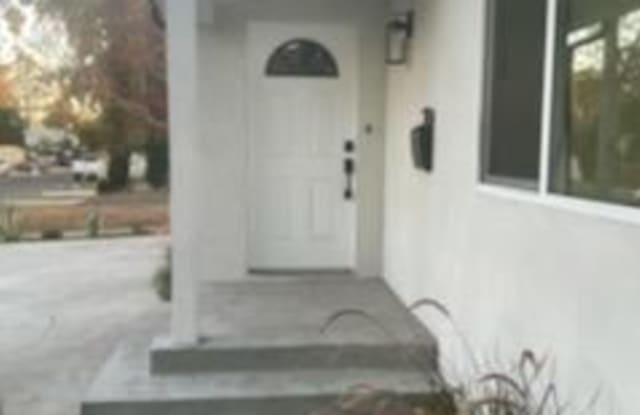7037 Cedros Ave - 7037 Cedros Avenue, Los Angeles, CA 91405