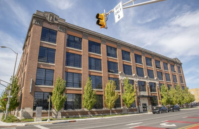 800 Capitol - 800 N Capitol Ave, Indianapolis, IN 46204