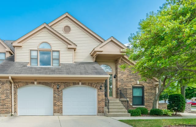44 Willow Parkway - 44 Willow Parkway, Buffalo Grove, IL 60089