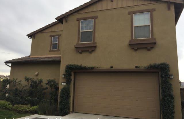 38 Lomada Street - 38 Lomada St, Ladera Ranch, CA 92694