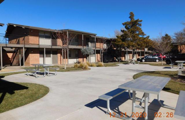 2800 Southwest 28th Avenue - 201 - 2800 West 28th Avenue, Amarillo, TX 79109