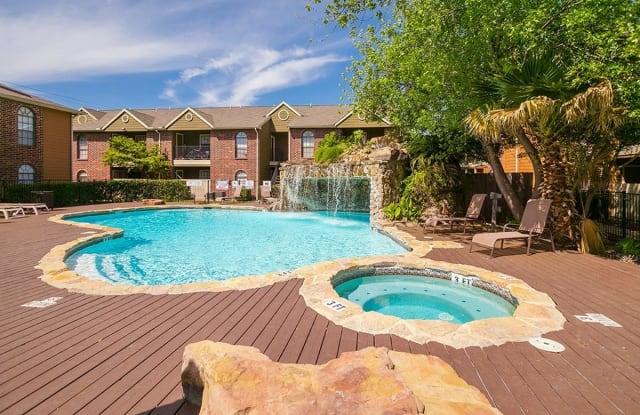 Oaks of Westlakes Apartments - 534 Hunt Lane, San Antonio, TX 78245