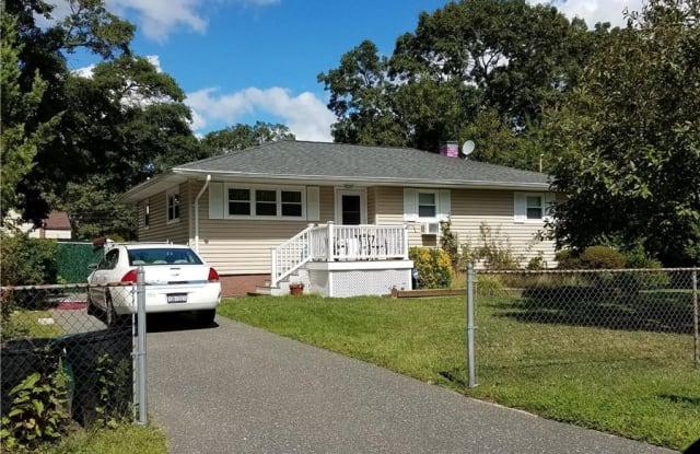 71 Pinewood Drive - 71 Pinewood Drive, Shirley, NY 11967