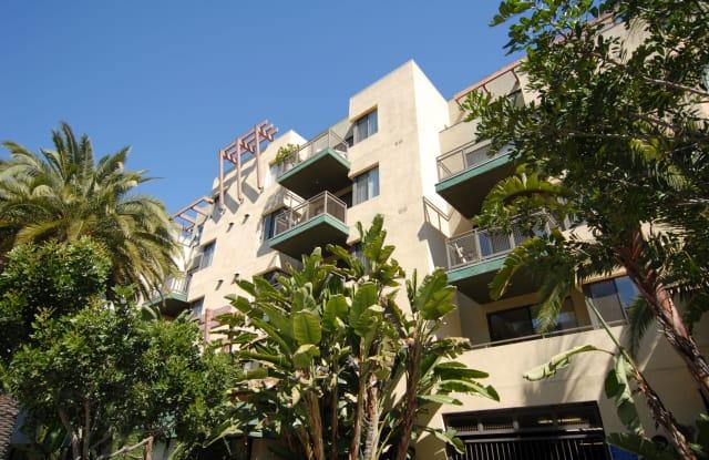 Living at Santa Monica - 1519 6th St, Santa Monica, CA 90401
