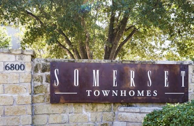 Somerset Townhomes - 6800 Austin Center Blvd, Austin, TX 78731