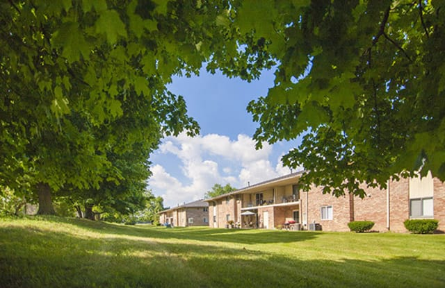 Beech Meadow - 147 Diplomat Ct, Beech Grove, IN 46107