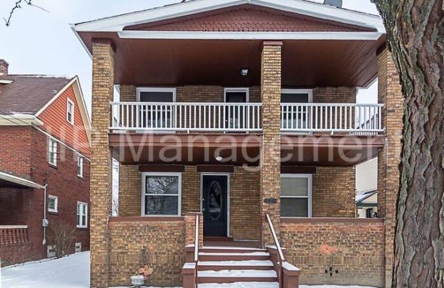 2081 Halstead Avenue - 2081 Halstead Avenue, Lakewood, OH 44107