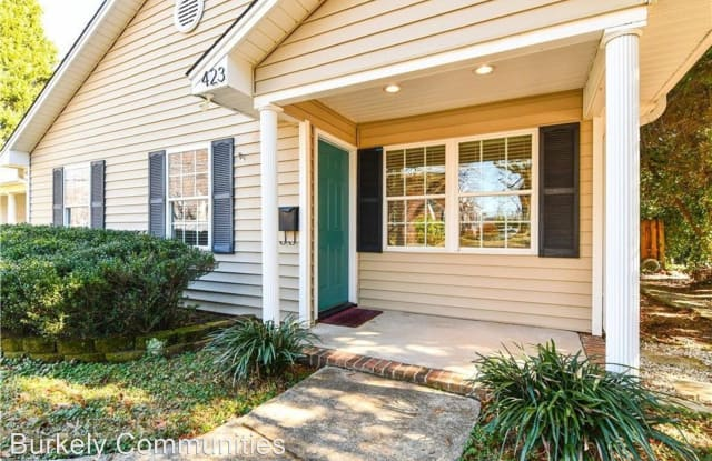 423 Westdale Place - 423 Westdale Place, Greensboro, NC 27403