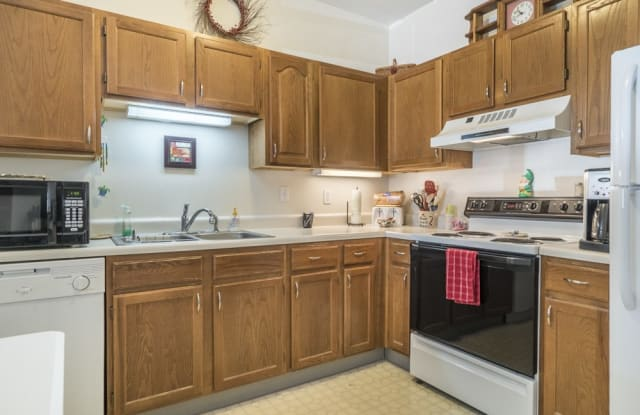 Wyndham Heights Apartments - 1201 Florida Ave, Ames, IA 50014