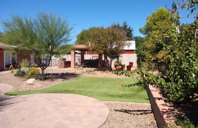 7510 North Jensen Place - 7510 North Jensen Place, Casas Adobes, AZ 85741