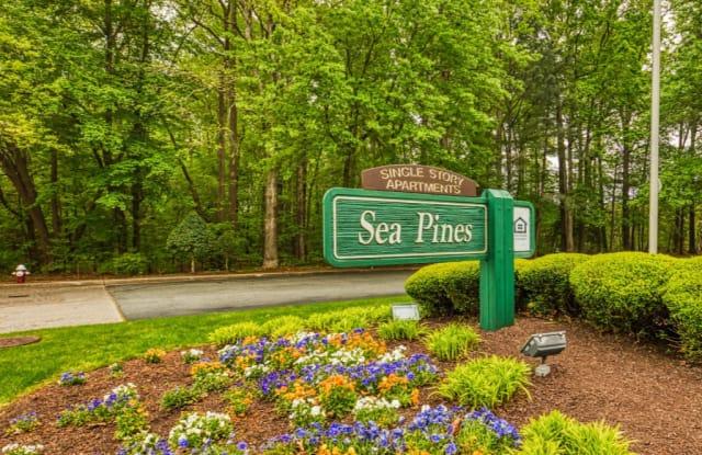 Sea Pines - 615 Sea Pine Ln, Newport News, VA 23608