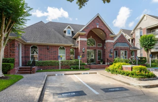Terra at Piney Point - 8787 Woodway Dr, Houston, TX 77063
