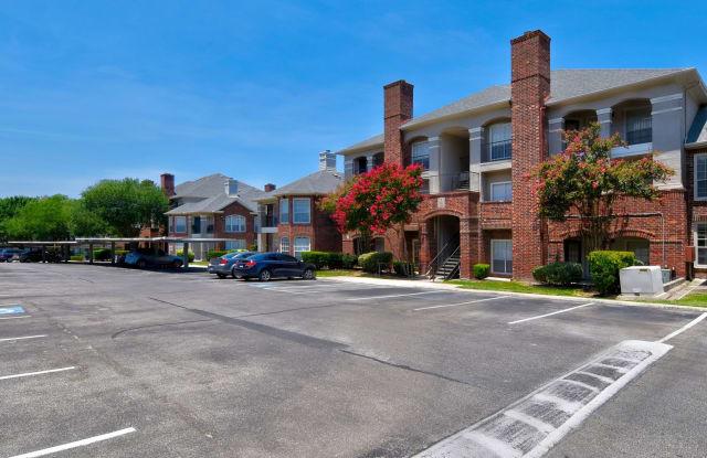 Whispering Creek Villas - 5303 Hamilton Wolfe Rd, San Antonio, TX 78229