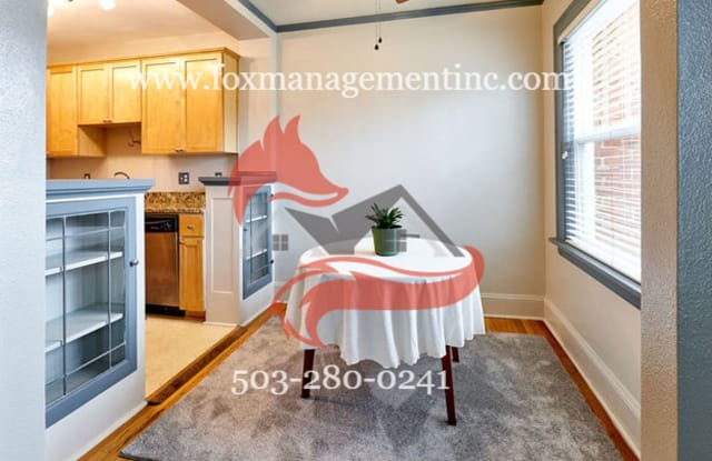Lloyd Park Condominiums 1509 NE 10th Ave #209 - 1509 Northeast 10th Avenue, Portland, OR 97232