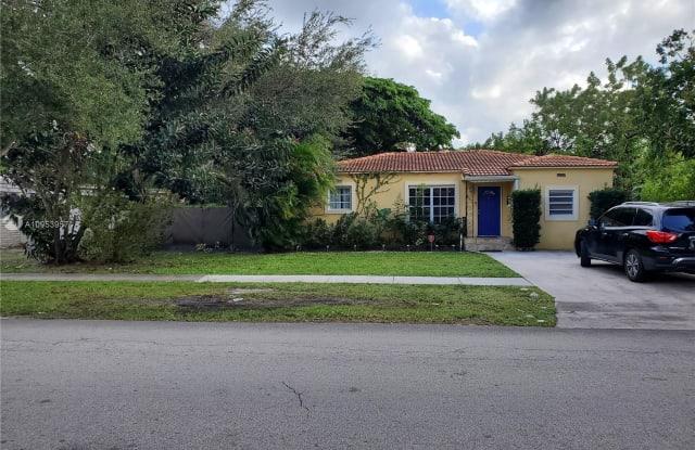 860 NE 123rd St - 860 Northeast 123rd Street, North Miami, FL 33161