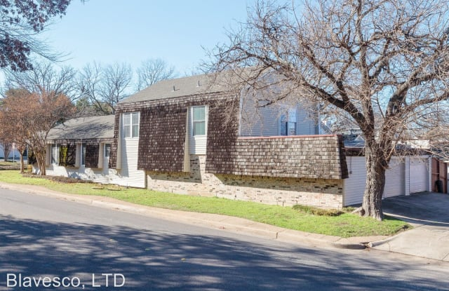 5702 Pershing Ave - 5702 Pershing Avenue, Fort Worth, TX 76107