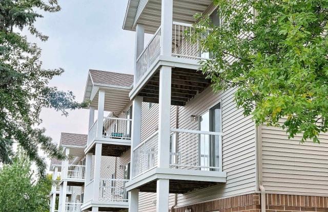 Oxford Apartments - 3301 46.830136, Fargo, ND 58104