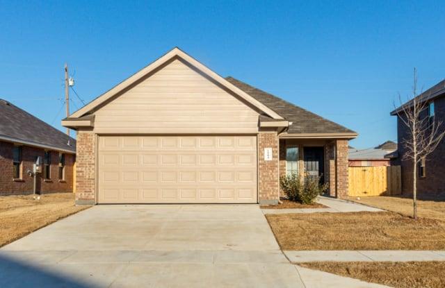 1504 Dove Circle - 1504 Dove Cir, Ennis, TX 75119
