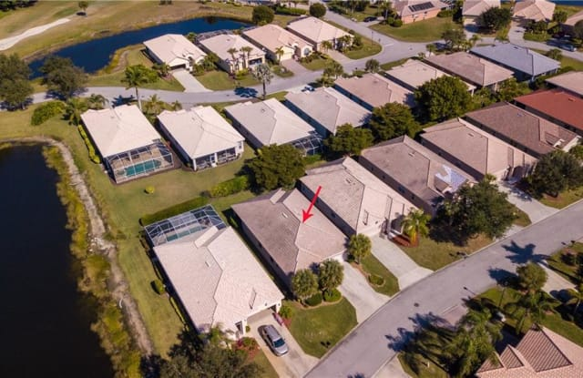 2162 Oxford Ridge CIR - 2162 Oxford Ridge Circle, Lehigh Acres, FL 33973