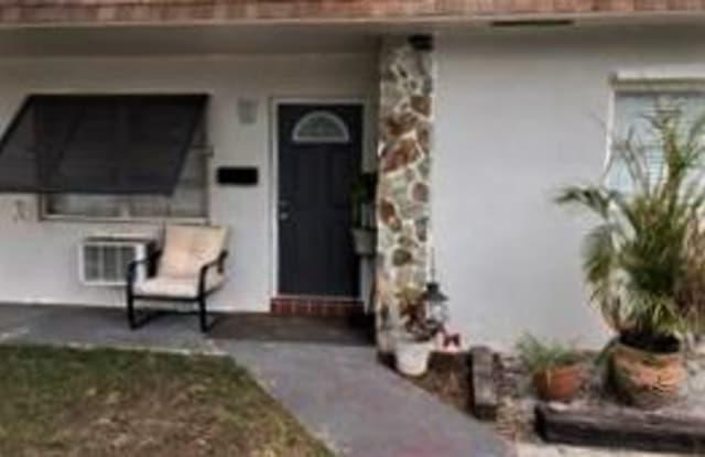 714 S Arnold Avenue - 714 South Arnold Avenue, Lantana, FL 33462