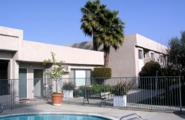1549 Placentia Avenue - 1549 Placentia Avenue, Newport Beach, CA 92663