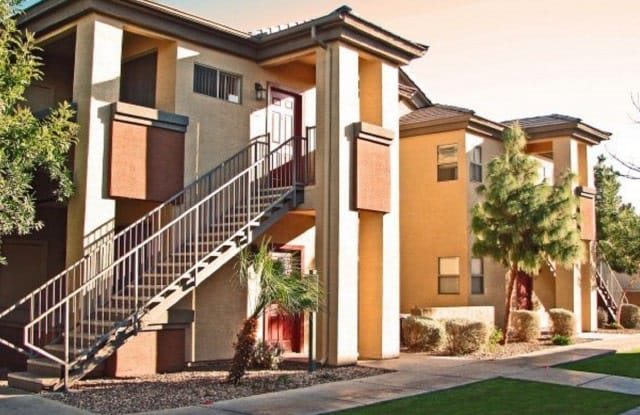 Westover Parc - 6515 W McDowell Rd, Phoenix, AZ 85035