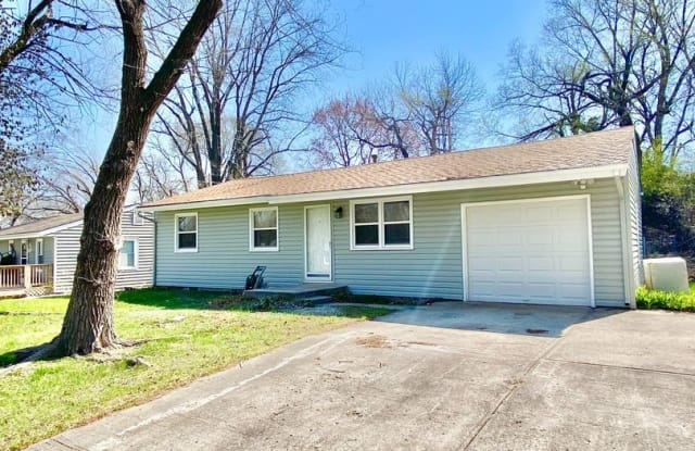 5121 N Corrington Ave - 5121 North Corrington Avenue, Kansas City, MO 64119