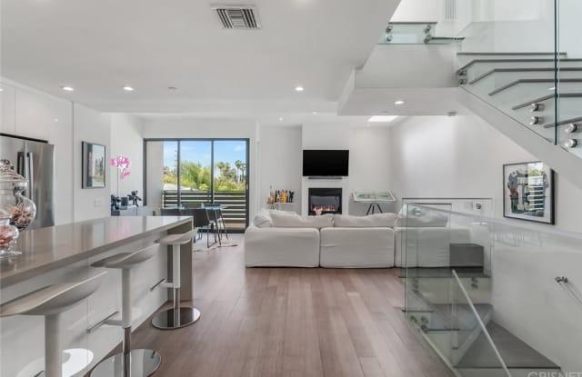 823 N Fuller Avenue - 823 North Fuller Avenue, Los Angeles, CA 90046