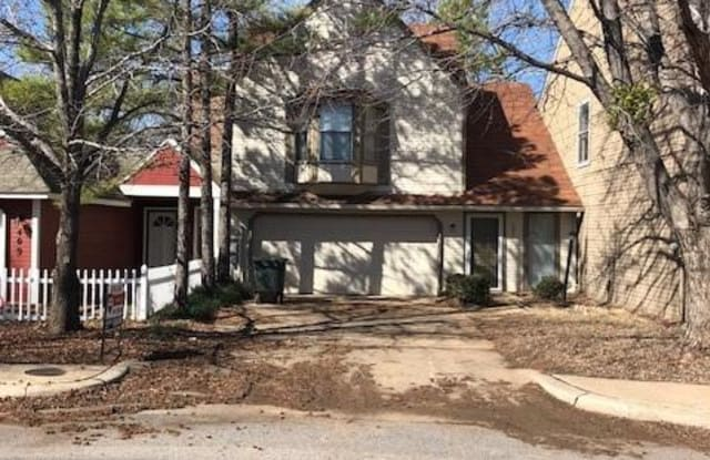 405 Abilene Avenue - 405 Abilene Avenue, Edmond, OK 73003
