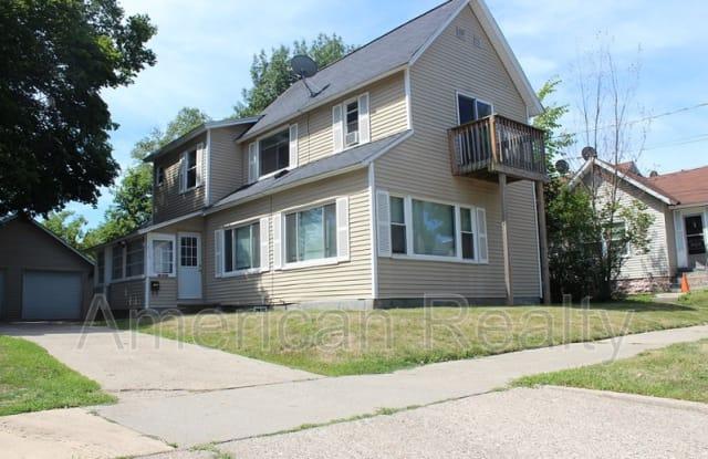 810 Hovey St SW 2 - 810 Hovey Street Southwest, Grand Rapids, MI 49504