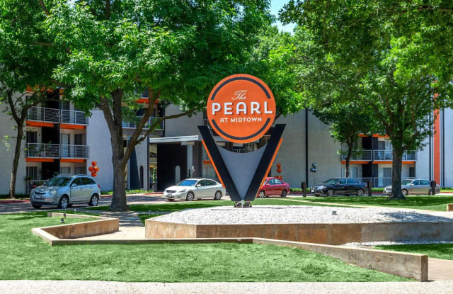 The Pearl at Midtown - 6008 Ridgecrest Rd, Dallas, TX 75231