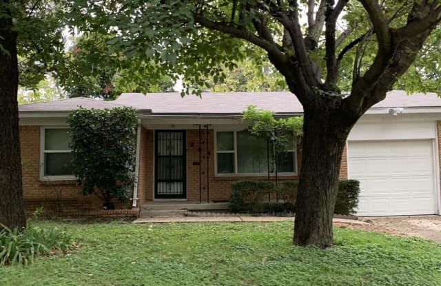 864 Odie Drive - 864 Odie Drive, White Settlement, TX 76108