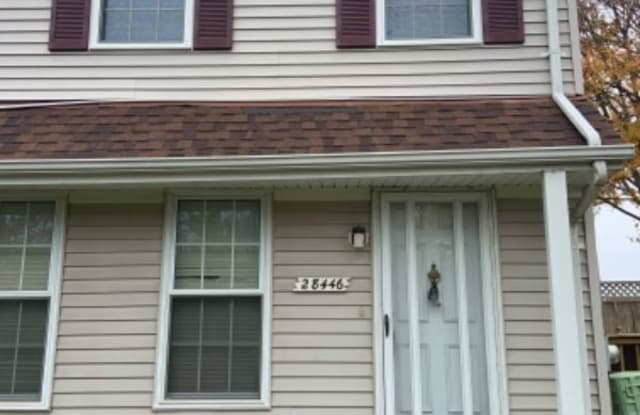28446 Raleigh Crescent Dr - 28446 Raleigh Crescent Drive, Macomb County, MI 48051