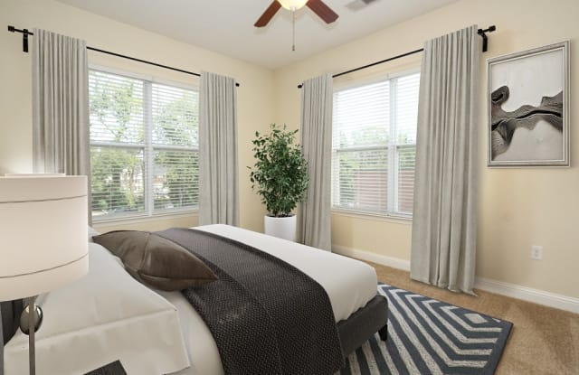 Morehead West Luxury Apartments - 2024 Millerton Ave, Charlotte, NC 28208