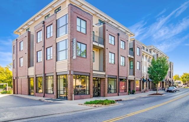 12 South Apartments - 2310 12th Ave S, Nashville, TN 37204