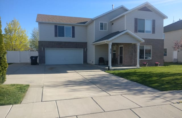 626 E 2000 S - 626 East 2000 South, Clearfield, UT 84015