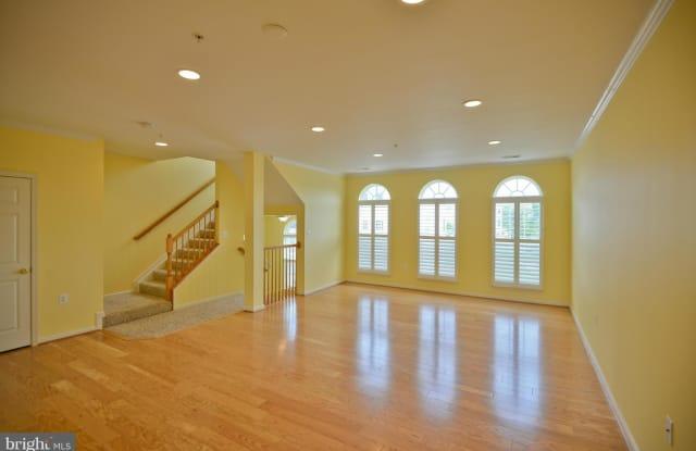 6081 WICKER LANE - 6081 Wicker Lane, Centreville, VA 20121