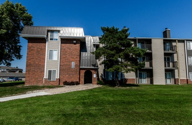Penbrooke Place - 4100 W Valhalla Blvd, Sioux Falls, SD 57106