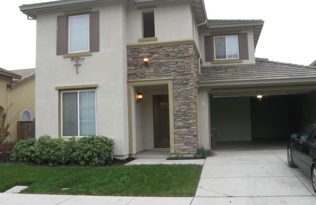652 Pioneer Ave - 652 Pioneer Avenue, Lathrop, CA 95330