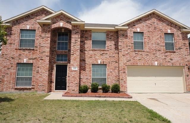 401 Kingfisher Lane - 401 Kingfisher Lane, Arlington, TX 76002
