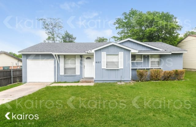 607 Holly Lane - 607 Holly Lane, Duncanville, TX 75116